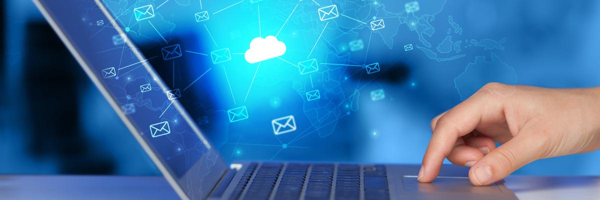 Hybrid Cloud Deployment Model