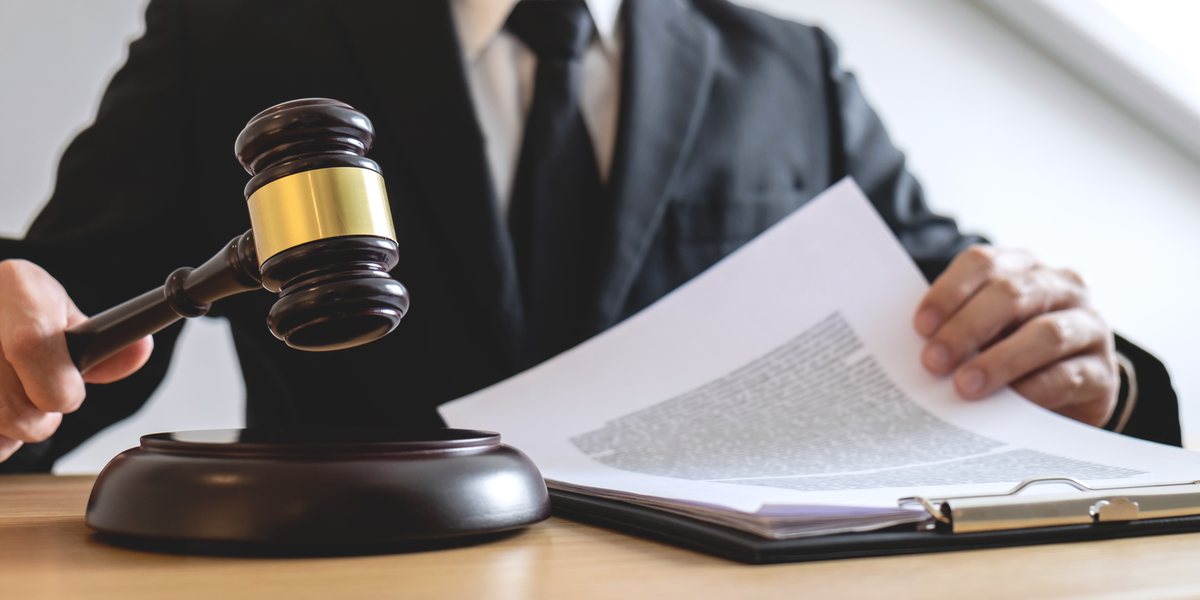 Manual vs Automatic: What's Better for Legal Transcription?